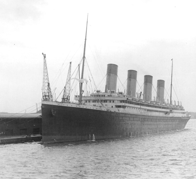 Rms Olympic: At Port